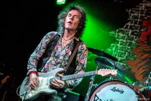 Bernie TormŽ playing live at the Red Lion, Gravesend.
